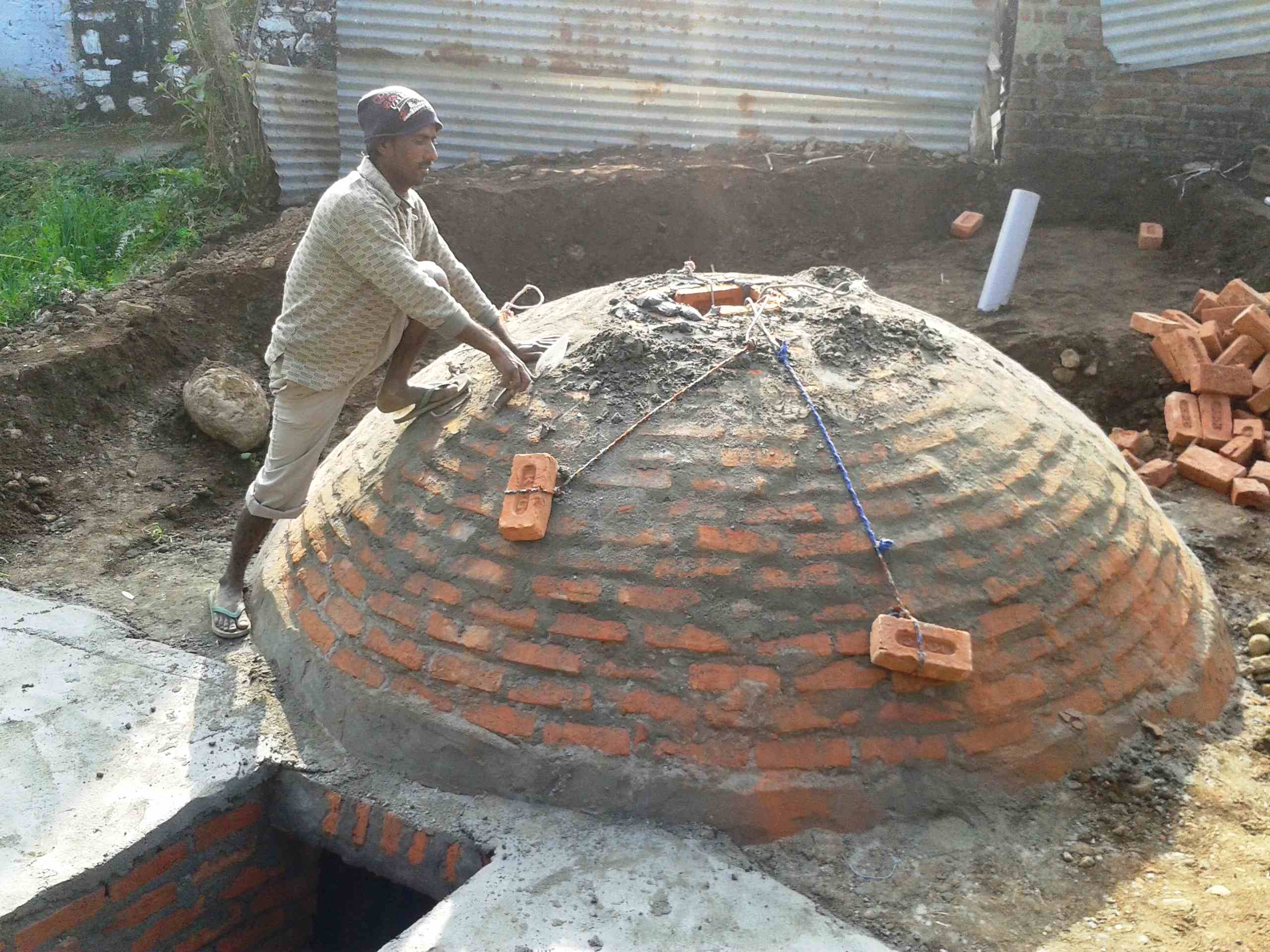 Kein moderner Ablasshandel - in eine Biogasanlage in Indien zu investieren ist eine konkrete Gegenleistung