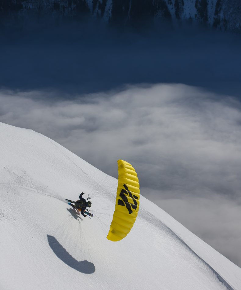 In Chamonix gibt es für Speedrider noch keine Reglementierungen. Ueli freut´s.... ©Marc Weiler
