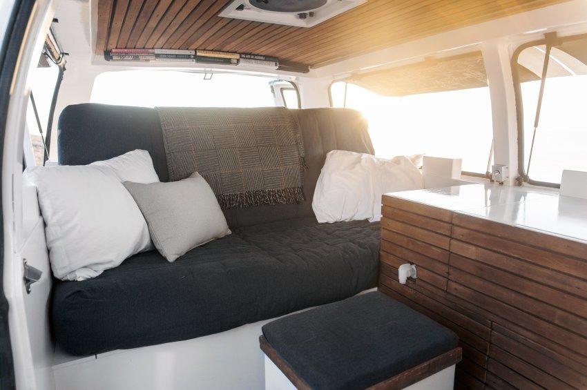 So sieht gemütlich aus - Bett und Sofa zugleich. (Source: Zach Both)