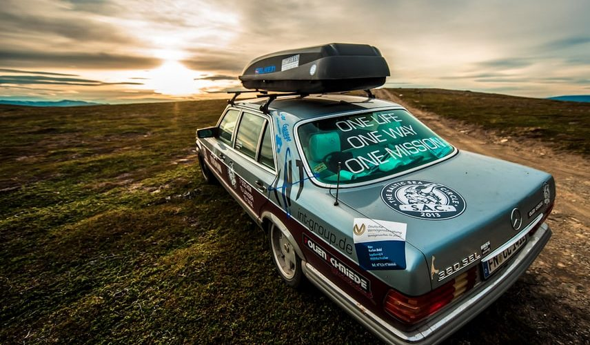 Mercedes Youngtimer bei der Baltic Sea Circle Rallye.