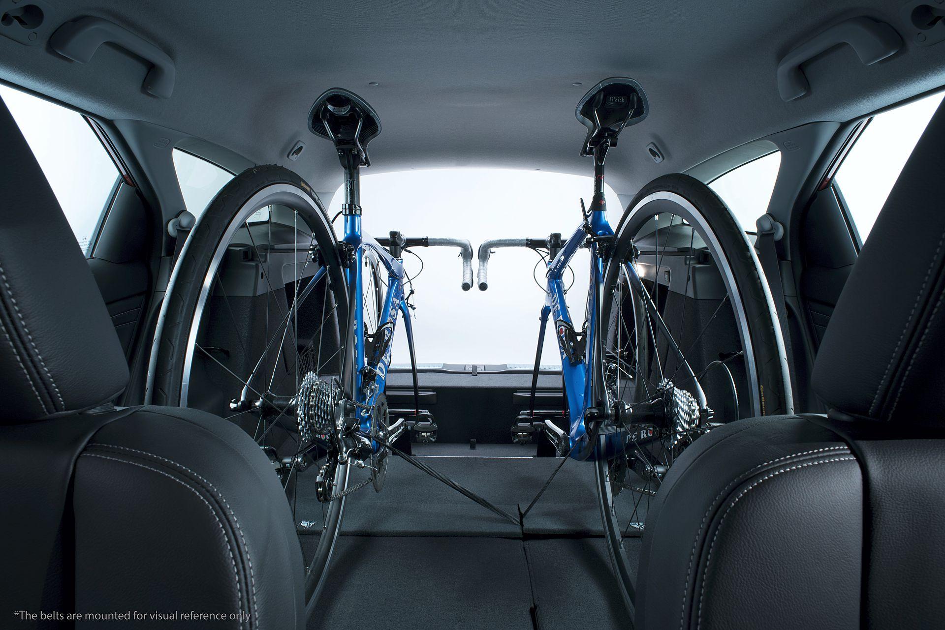 Der Restraum auf der Ladefläche reicht für ein Rennwochenende gut aus.