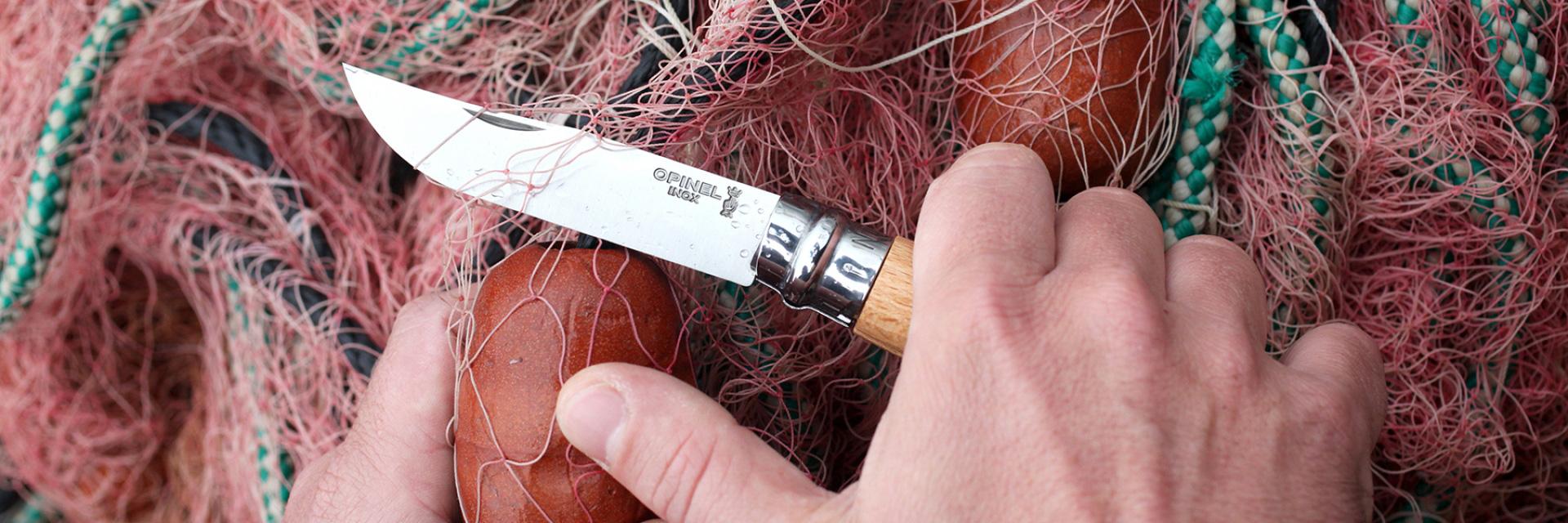 Der Klassiker: N°8N°221: das Fillet-MesserDie Produktpalette umfasst heute auch eine ganze Reihe an Küchenmessern, wie das Brotmesser N°216| Foto: opinel.com