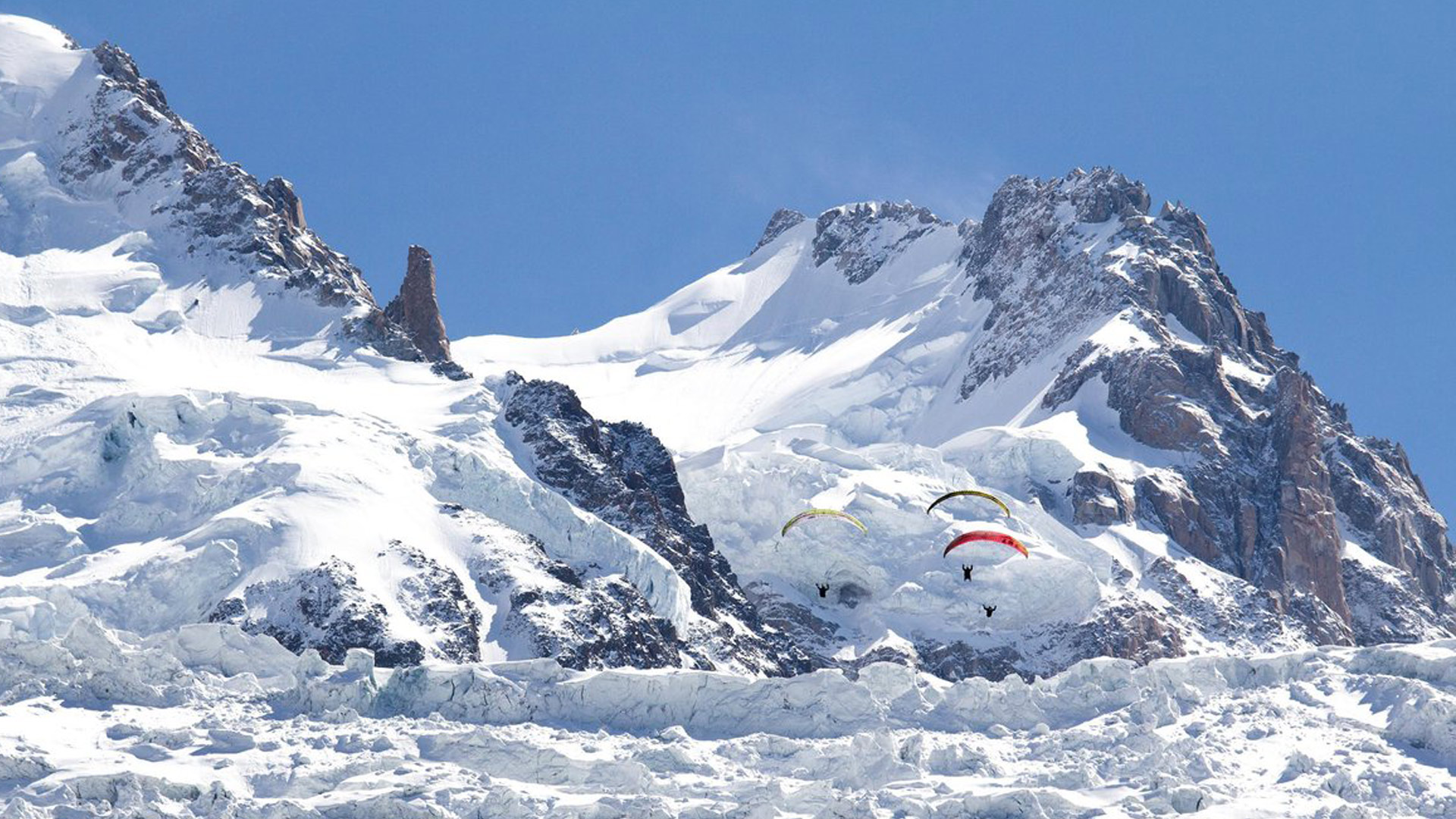 Prime-Elements-Paragliding-Mt-Blanc-Red-Bull-01
