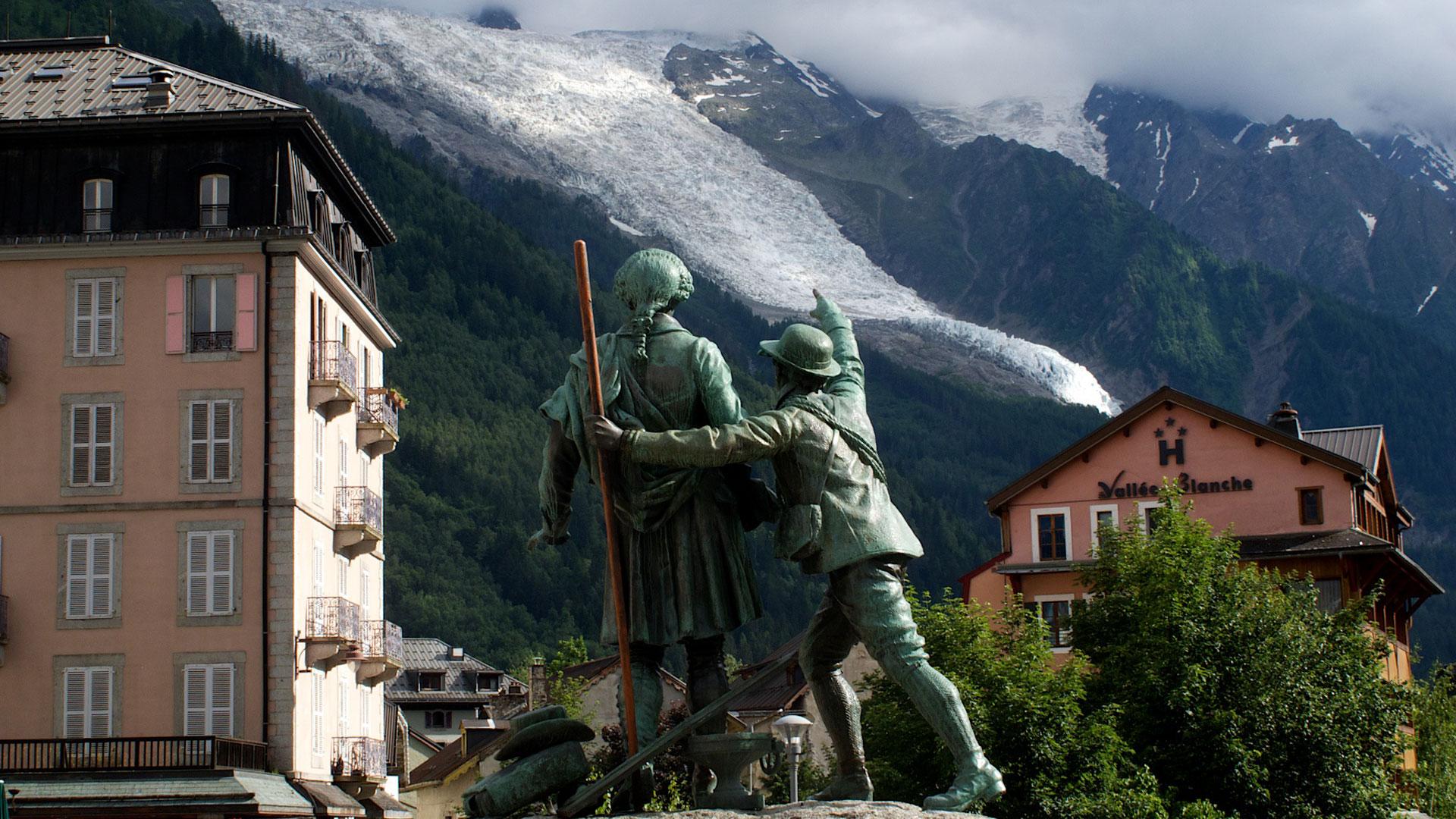 Das Denkmal für die beiden Erstbesteiger in Chamonix | Foto: www.olafrieck.de