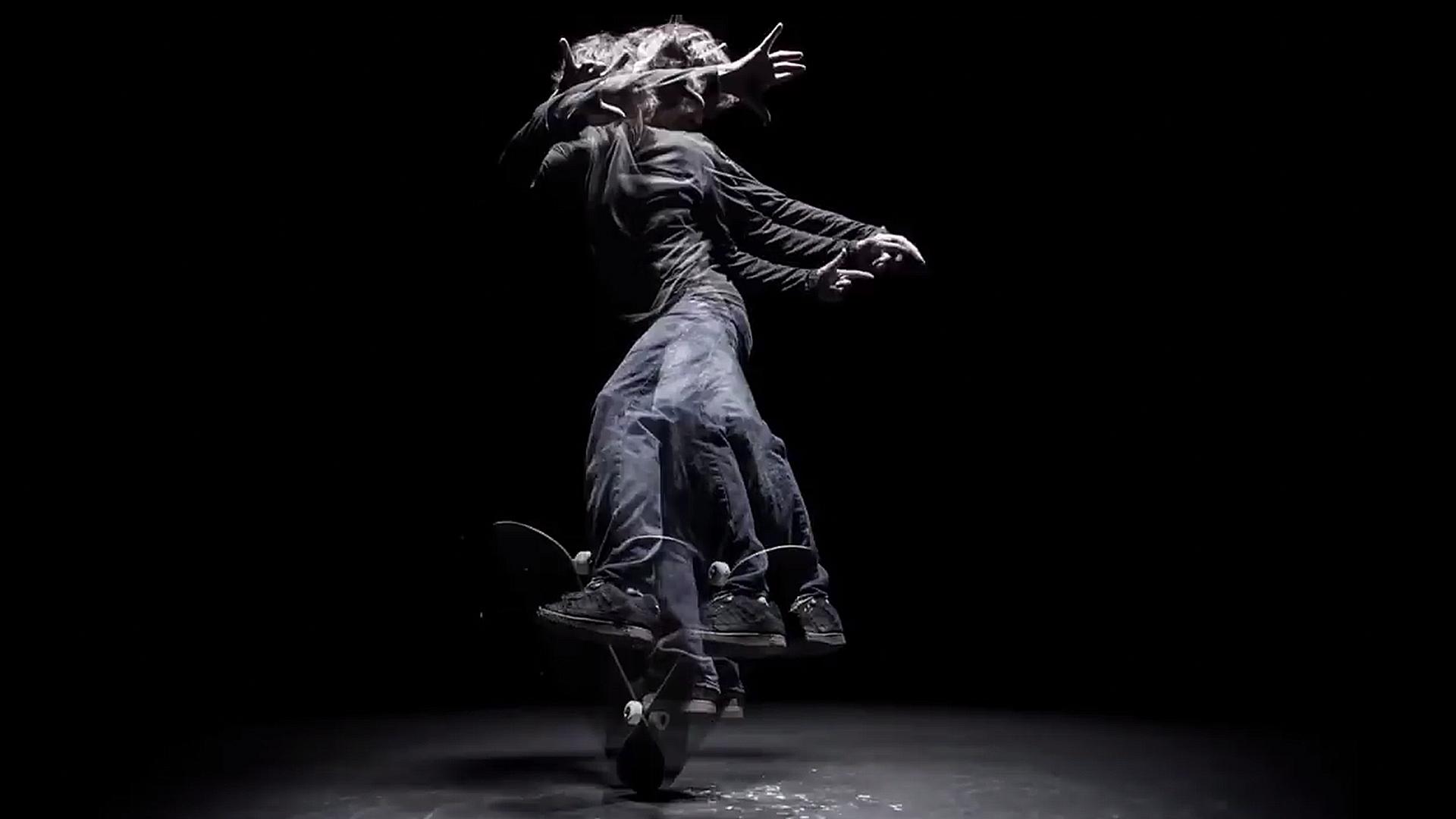In seinem neuen Video kehrt Rodney zu seinen Freestyle-Wurzeln zurück