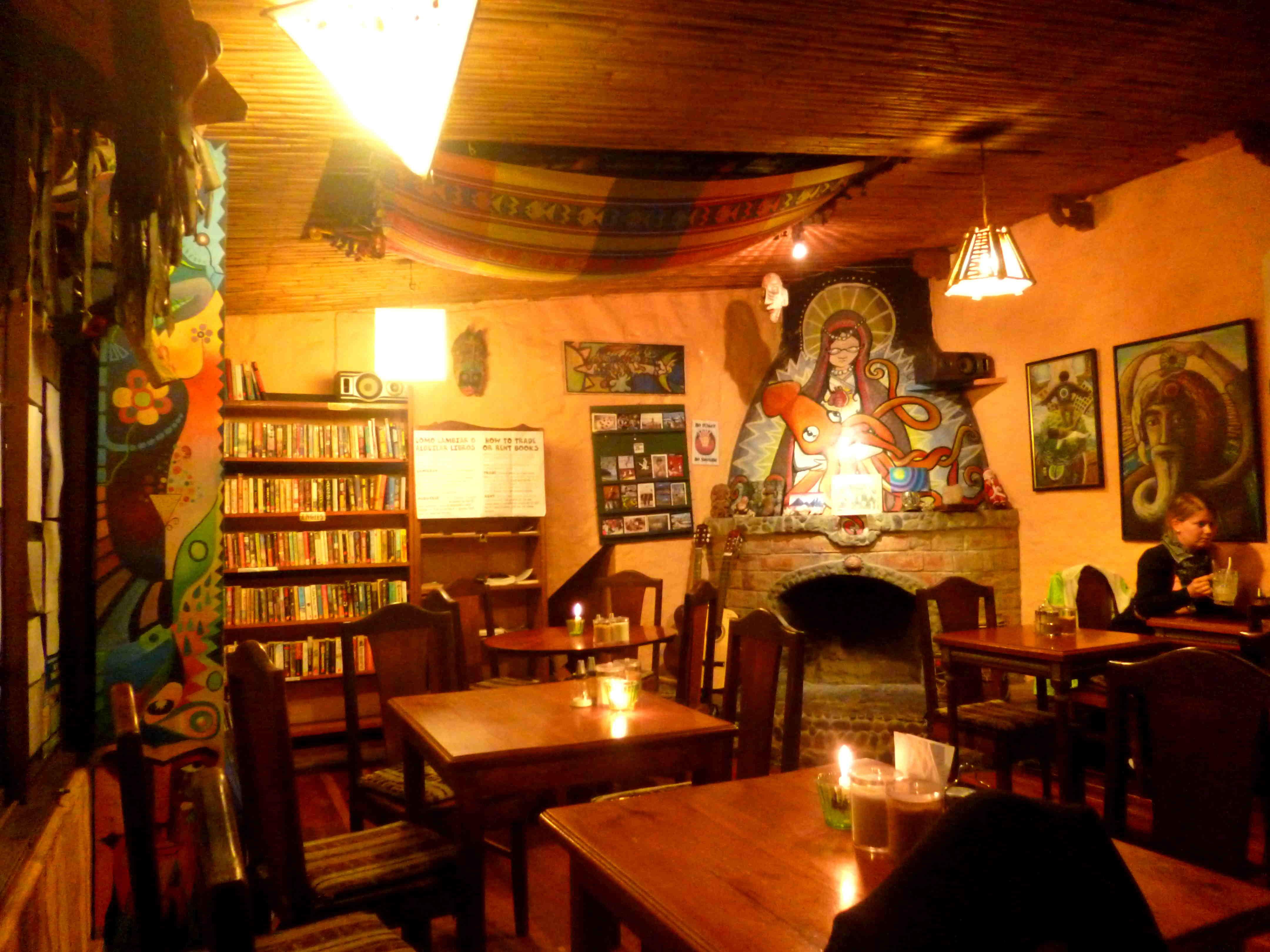 Alternative Bars und Cafés gibt es überall in Baños