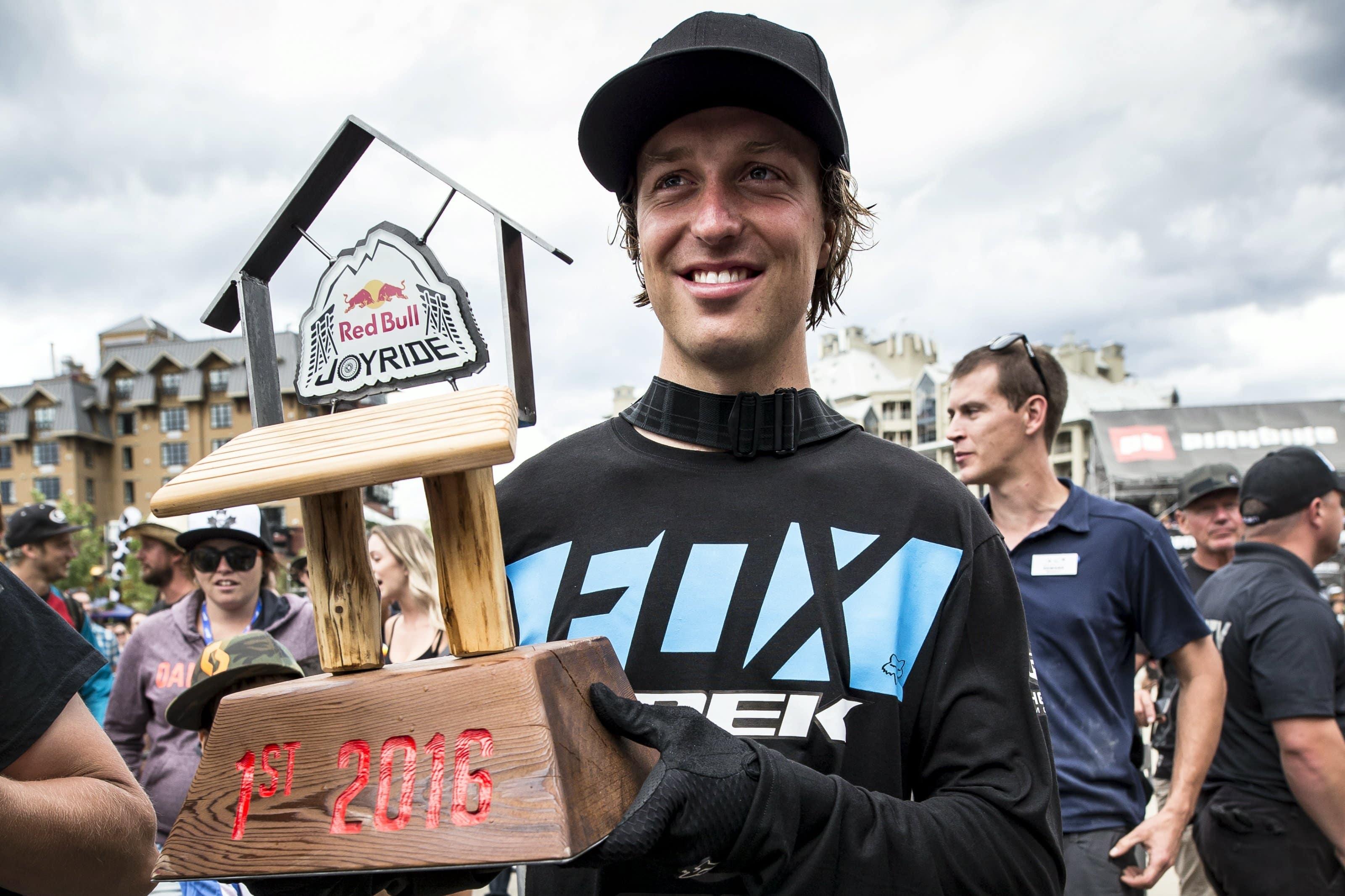 Brett Rheeder konnte da noch gar nicht fassen, was ihm eben beim Red Bull Joyride gelungen war. (Source: Red Bull)
