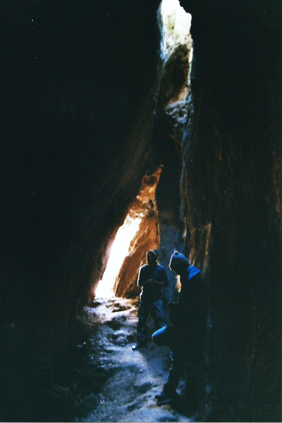 Die Tempel-Felsen bilden eine natürliche Höhle