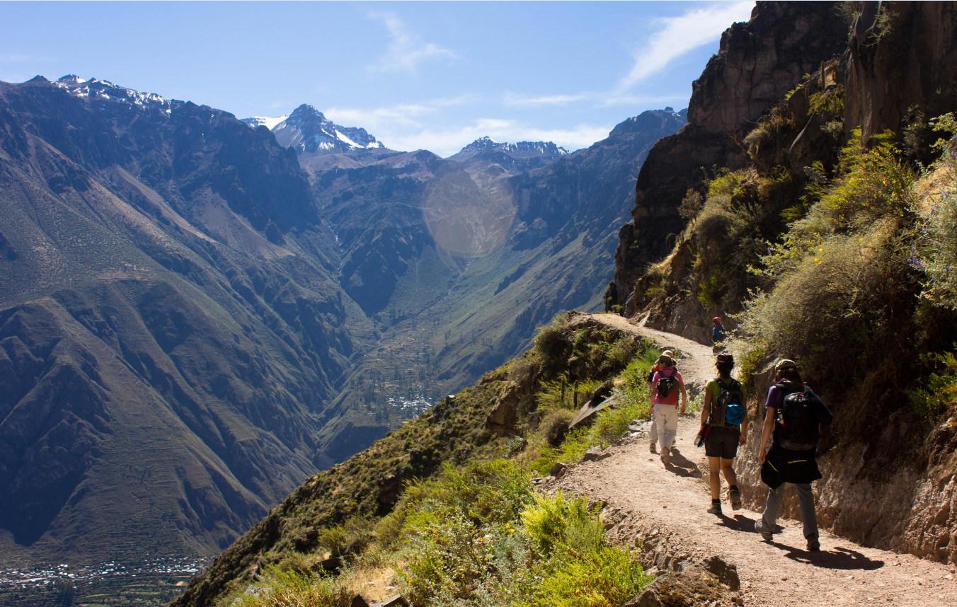 Hier beginnt der Abstieg in den zweittiefsten Canyon der Welt