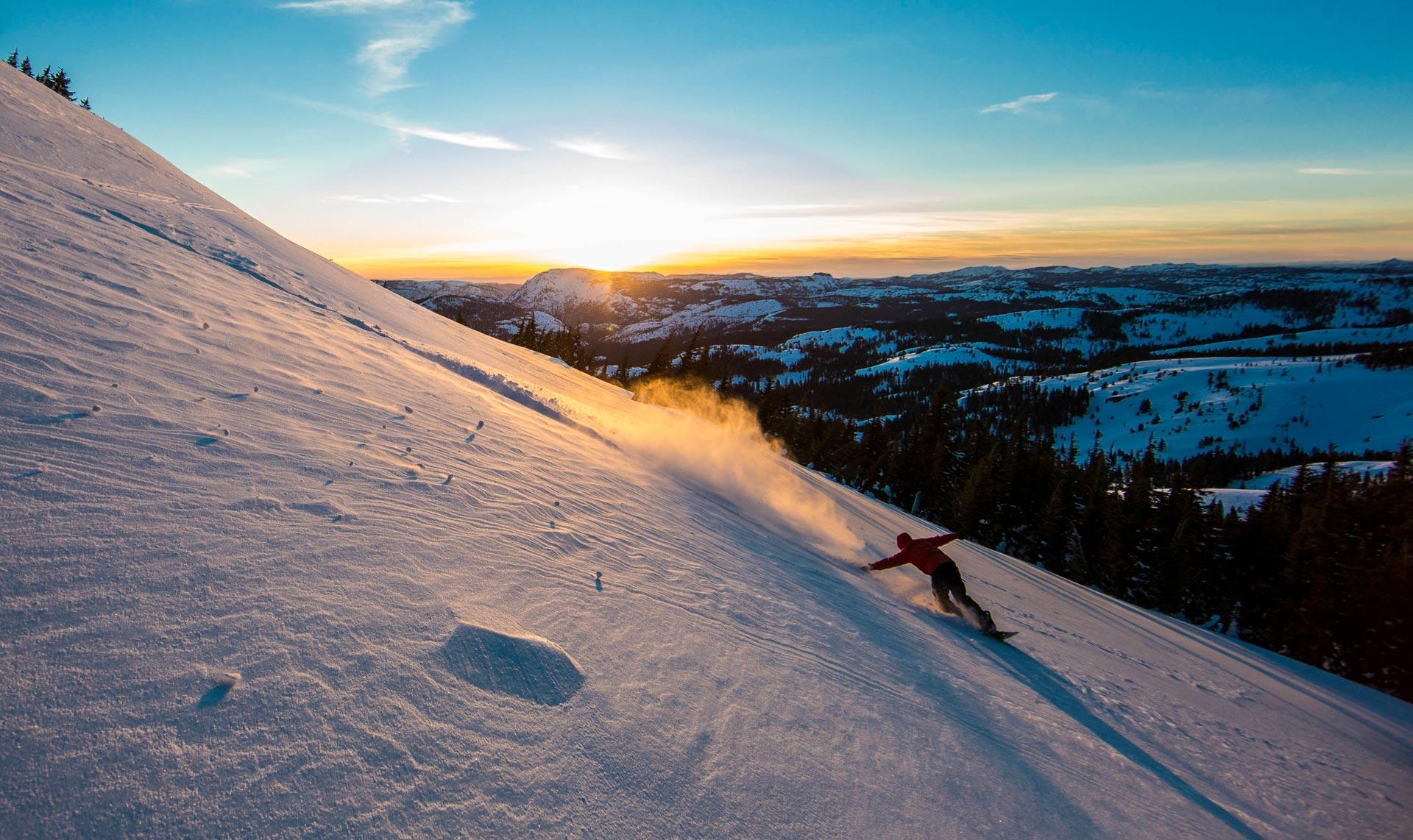 Jeremy Jones - Powder am lake Tahoe