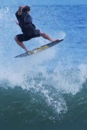 skimboarding-prime-surfing