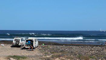 Surfguide-Fuerteventura-Surfnomade_Camper-in-La-Caleta_Foto-Siewert-1068×712