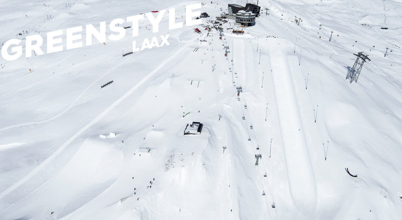 Die Superpipe benötigt dank Erdarbeiten nun viel weniger Schnee | © LAAX